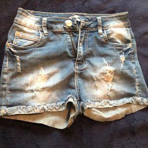 Bleach wash Denim Shorts
